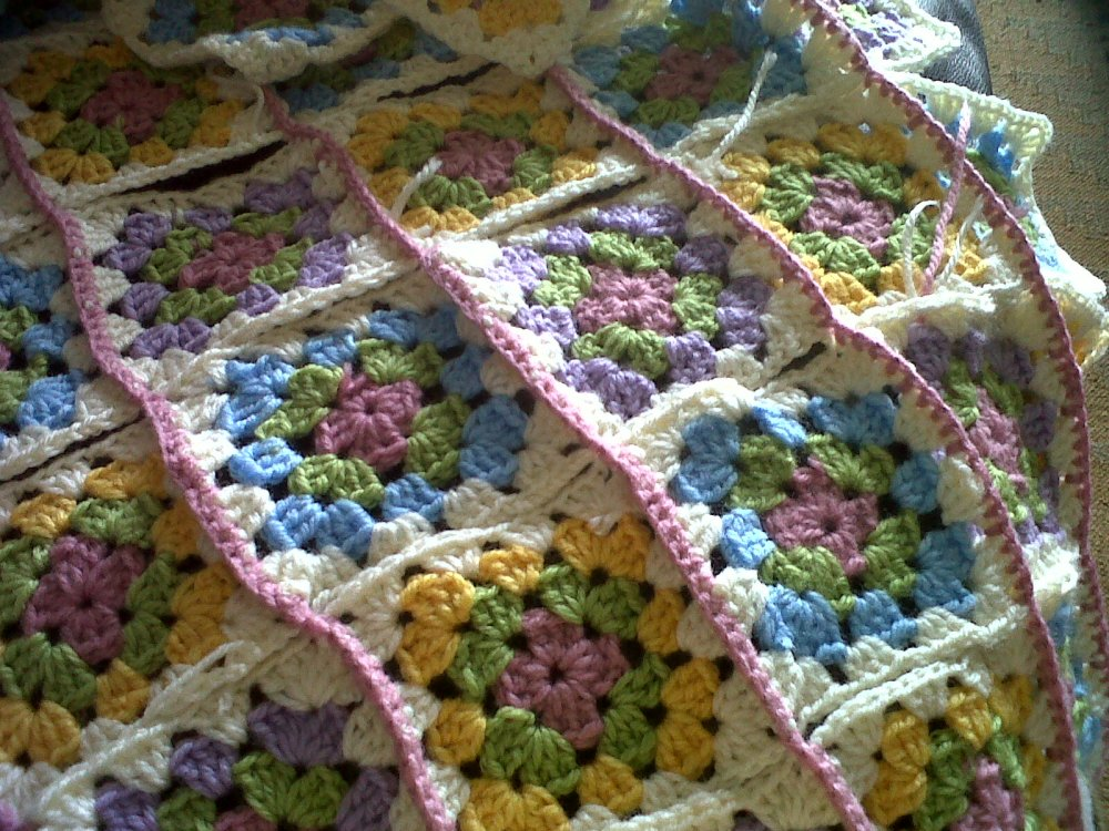 Granny square blankets (3/6)